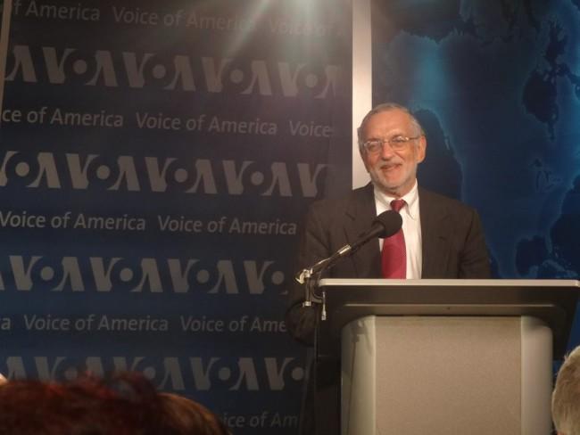 აშშ–ის ყოფილი ელჩი კენეთ იალოვიცი. ია მერკვილაძის ფოტო