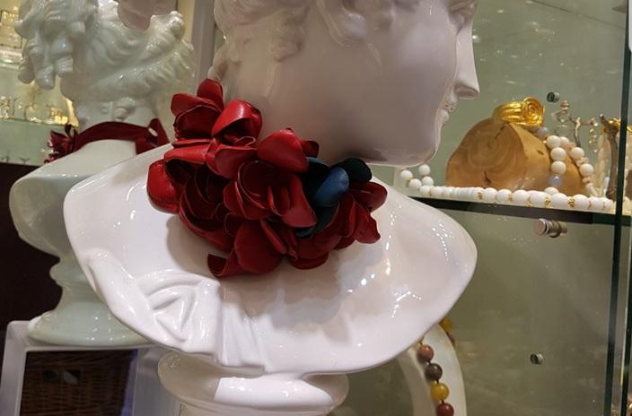 კვერცხის ნაჭუჭის ჩაიდანი, საქორწინო სანთლები და Look by Tinati
